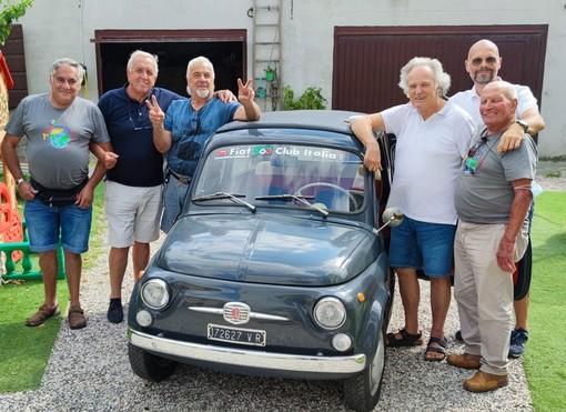 Manca spazio per conservare la vecchia Giardiniera del padre defunto: ci pensa il Fiat 500 Club d'Italia di Garlenda