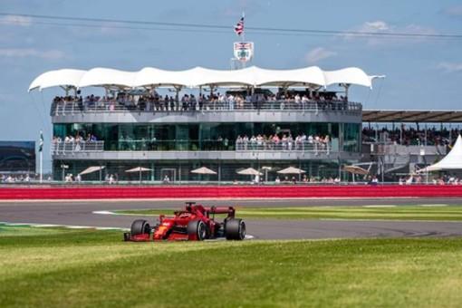 F1. Tanti colpi di scena a Silverstone, Leclerc sfiora un meritatissimo successo. Vince Hamilton, secondo il monegasco