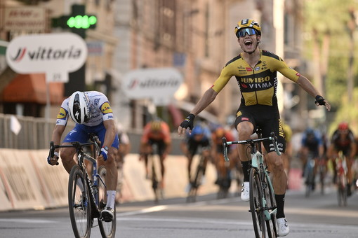 Milano-Sanremo 2020: il belga Wout Van Aert ha vinto l'edizione condizionata dal Coronavirus