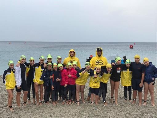 Swimtheisland: la Rari Nantes Cairo c'è