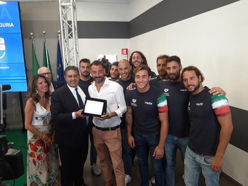 La Liguria premia i suoi sportivi: medaglie alla nazionale di pallanuoto e di nuoto sincronizzato