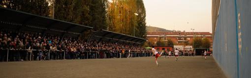 Pallapugno: giocato l'ultimo recupero e via alla sesta giornata della Serie A Banca d'Alba-Moscone.
