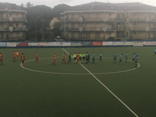 """Calcio, Eccellenza. Finale di rimonta, il derby è giallorosso. Il Pietra apre i giochi ma non basta: al """"De Vincenzi"""" è 1-2"""