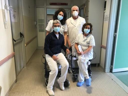 Rugby Savona: le iniziative solidali non si fermano, consegnati all'ospedale San Paolo altri due nuovi deambulatori