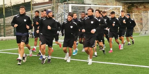 Calcio, Sanremese. Emerge un nuovo positivo al Covid19, salta anche la partita di domenica prossima con la Folgore Caratese