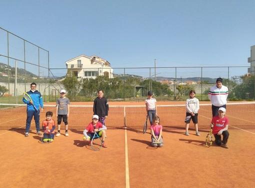 Tennis: dodici bimbi hanno partecipato al primo raduno Cap di Loano