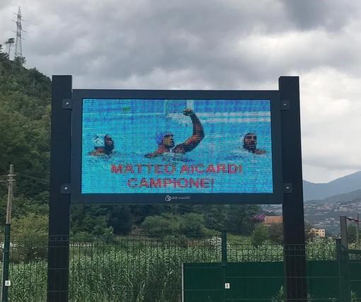 Pallanuoto: Tovo San Giacomo celebra Matteo Aicardi campione del mondo. La foto del centroboa compare sui maxischermi cittadini