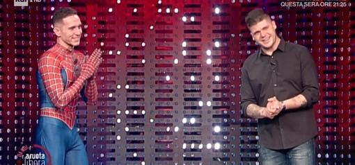 """Mattia Villardita e Michele Romeo """"A Ruota libera"""", l'amicizia tra Spiderman e il centravanti del Legino è arrivata nache su Raiuno"""