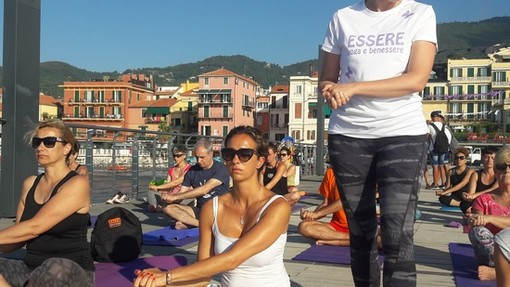 Alassio: lo Yoga non va in vacanza ed è gratuito per tutti